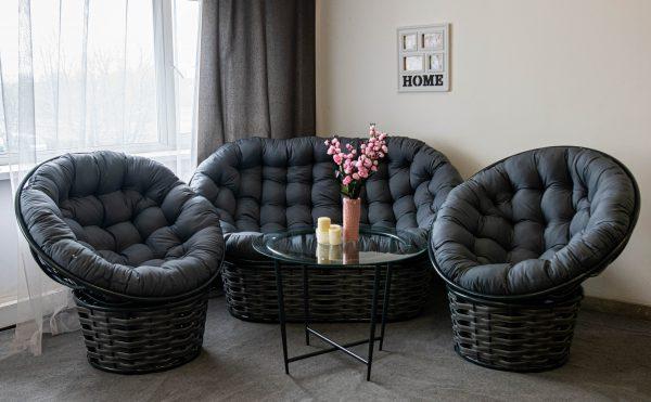 плетёная мебель из метала и искусственного ротанга
