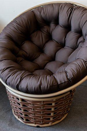 кругле крісло на підставці