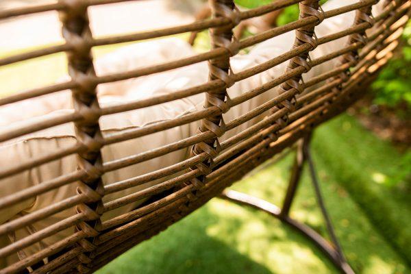 плетение ротангом на коконе Дуэт