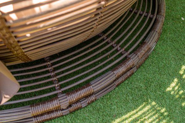штучній ротанг на садовому бунгало